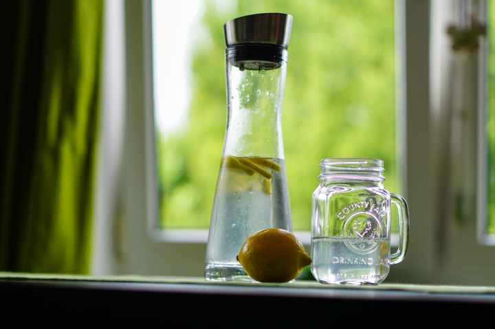 lemon-water-refreshment-fruit-juice-162783